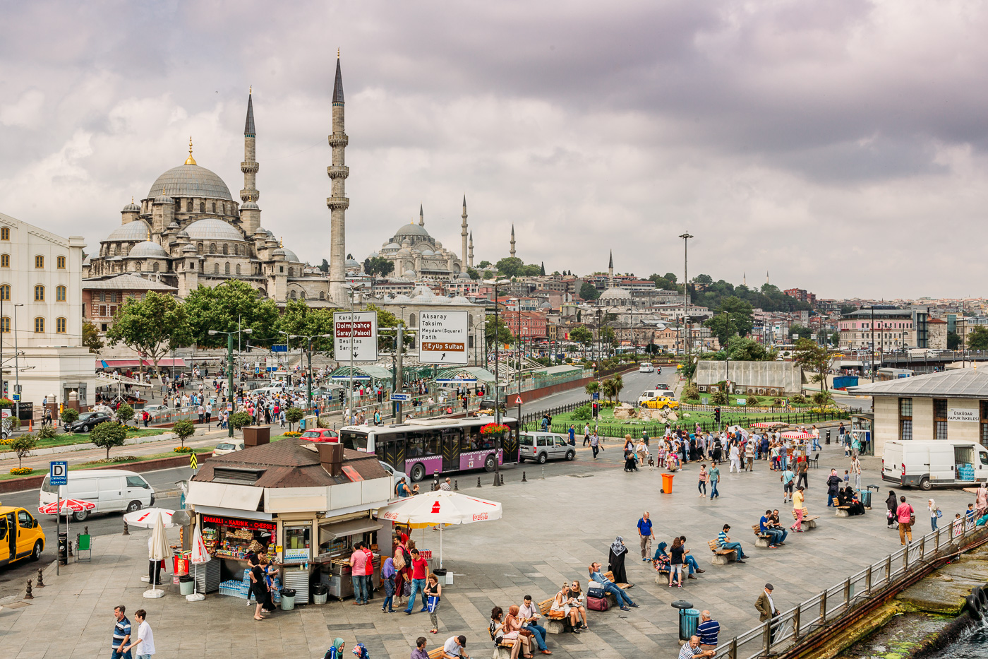 Exploring the Yeni Cami mosque at the Spice Bazaar
