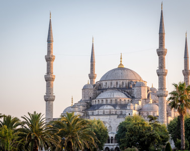 Sunset hits the Blue Mosque (Sultan Ahmet)