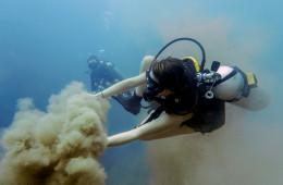 Scuba diving Coron Palawan's barracuda lake